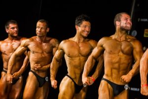 perfect age to join gym bodybuilding image